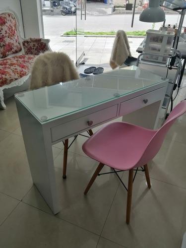 mesa para manicure o mesa escritorio