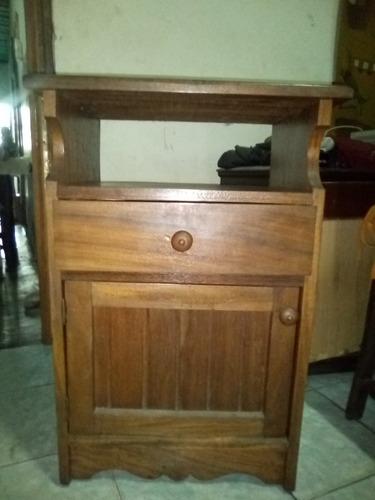 mesa para televisión de madera de samán usado