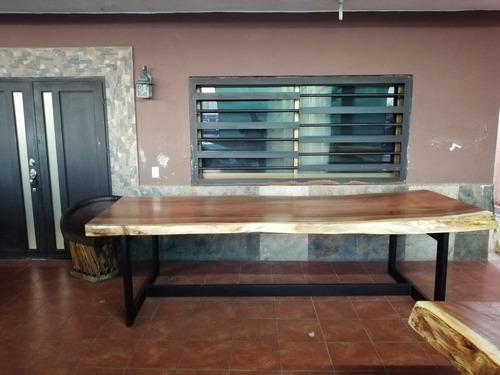 mesa parota con base de fierro