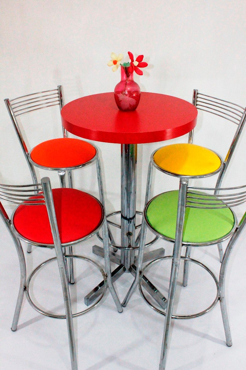 Mesa periquera con 4 bancos mobiliario bar cafe for Mobiliario para bares y restaurantes
