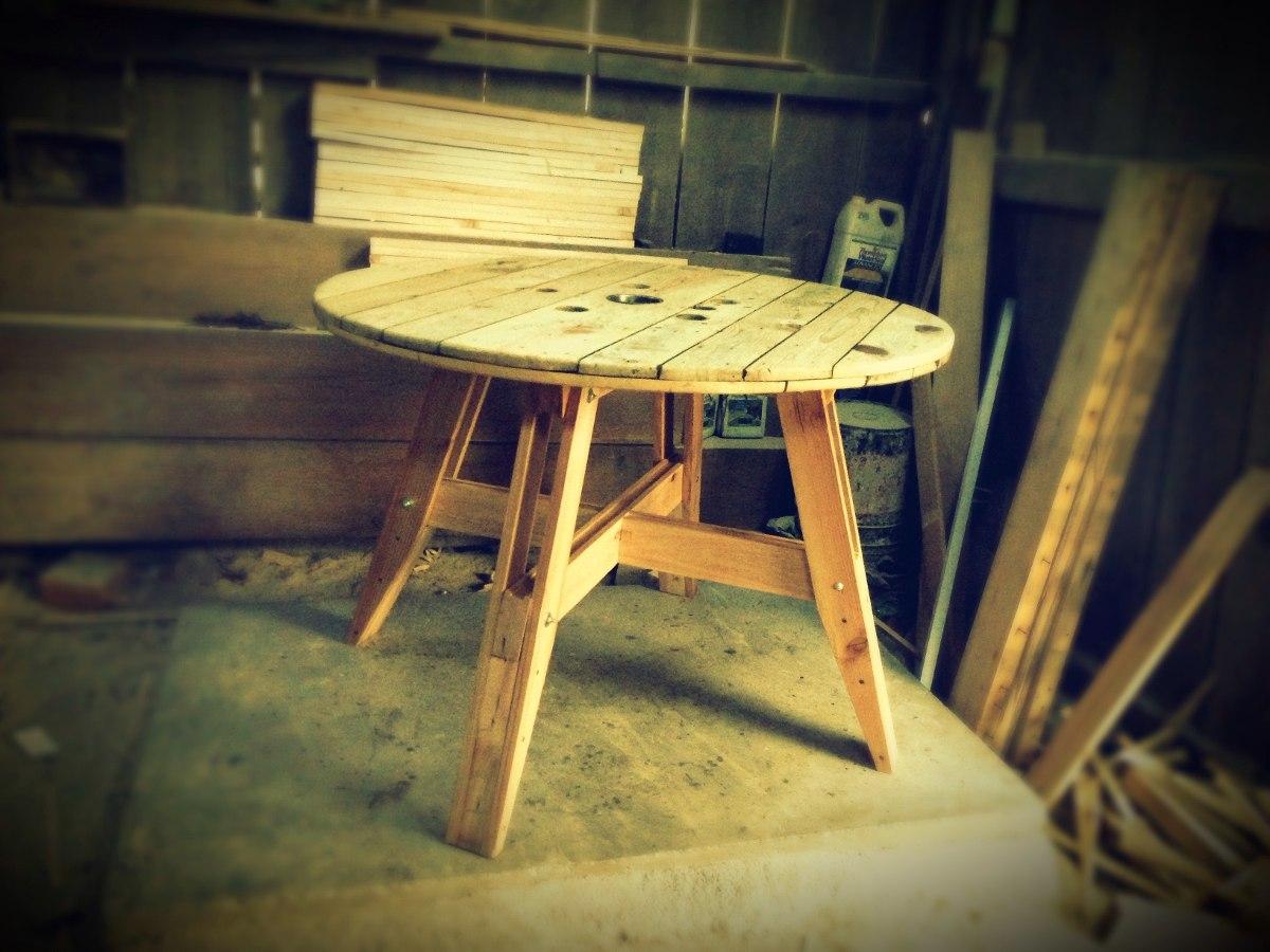 Mesa pizzera de madera reciclada 2 en mercado libre for Bar con madera reciclada