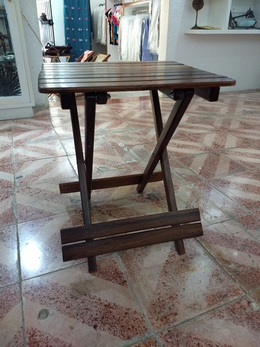 mesa plegable mediana de madera de granadillo