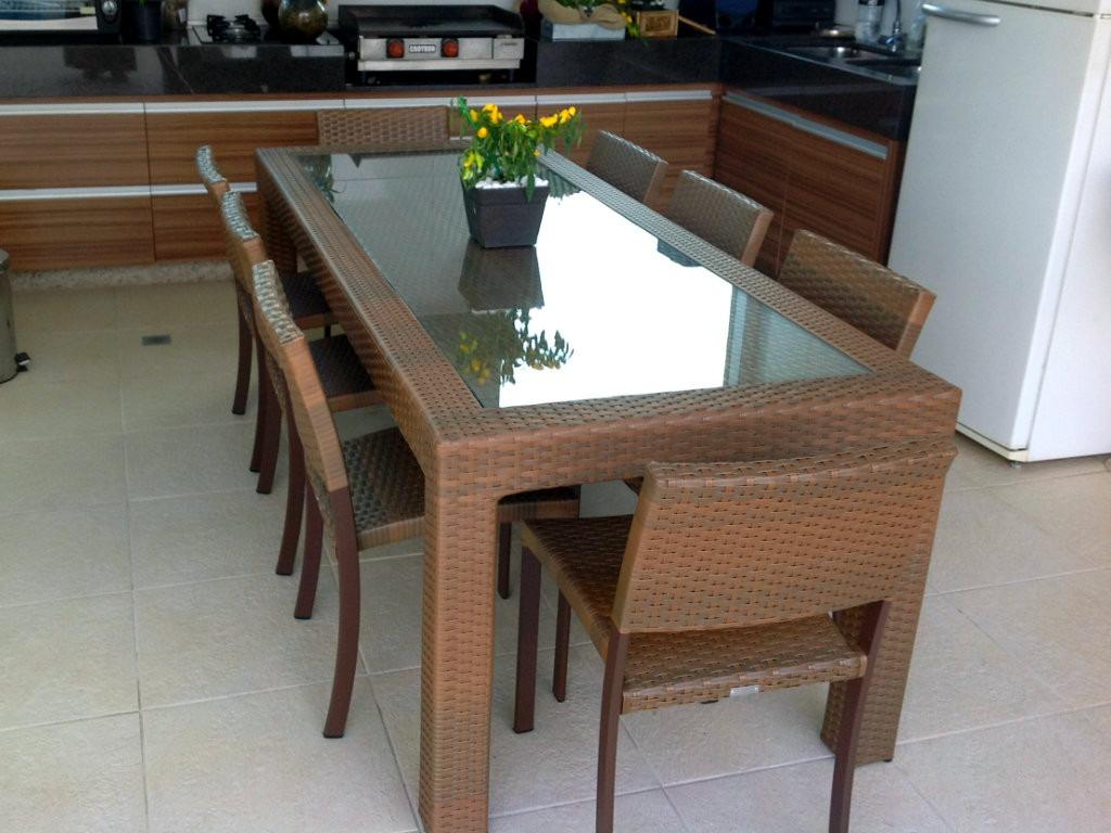 Mesa quadrada em fibra sint tica com 8 cadeiras r for Mesa 8 medidas comensales