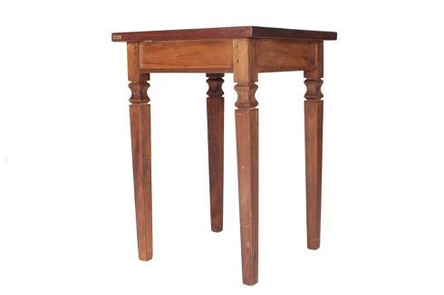 mesa quadrada madeira