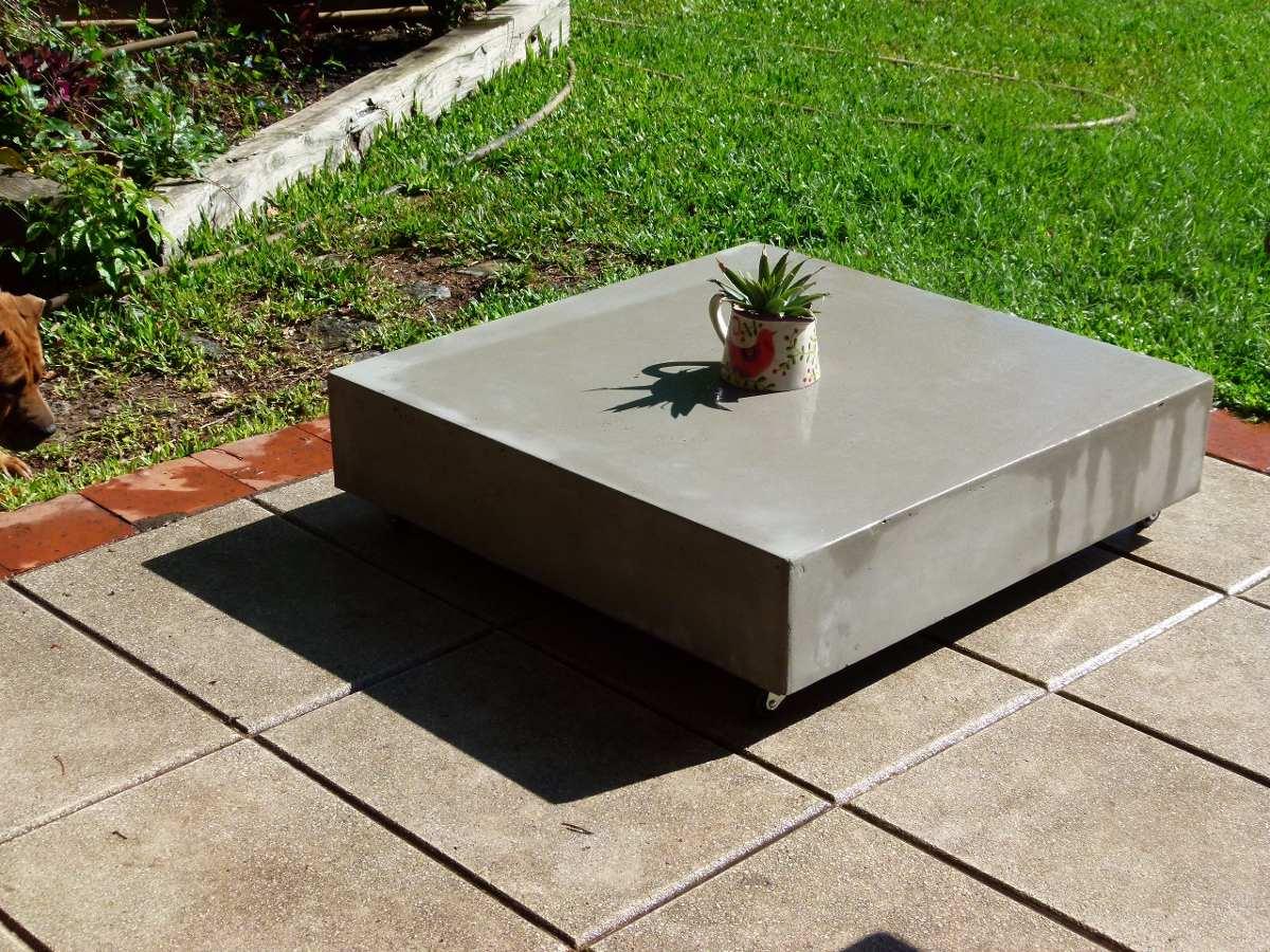 Mesa Ratona Cemento Liviano Con Ruedas Terminacion Natural  # Muebles Cemento Liviano