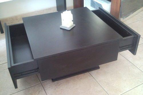 mesa ratona cuadrada con 2 cajones.
