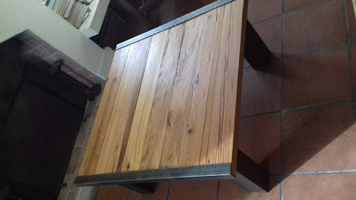 mesa ratona de hierro y pinotea