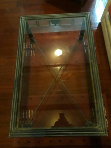 mesa ratona de hierro y vidrio