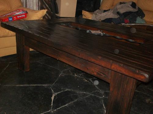mesa ratona de living en madera y vidrio