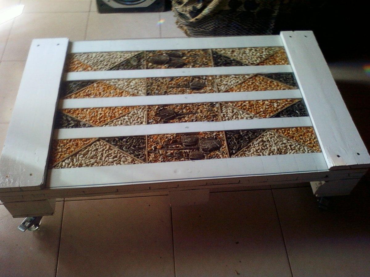 Mesa palets madera interesting y sofa muebles con palets for Mesas hechas con palets de madera
