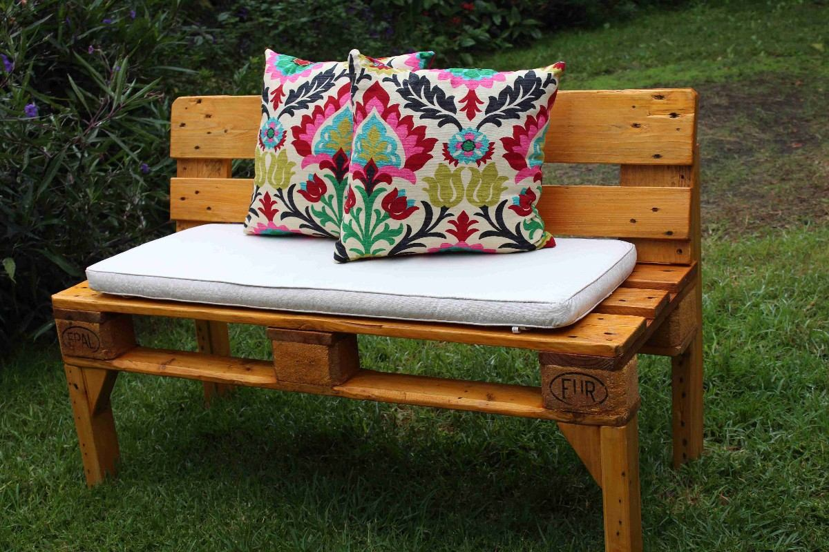 Mesa ratona y sillones de pallets euro calidad y for Sillones de palets para exterior