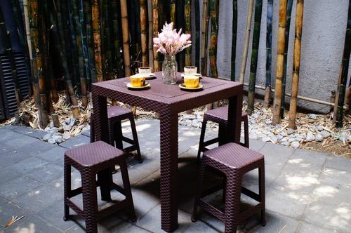 mesa rattan c/4 bancos para jardin,terraza, para exteriores