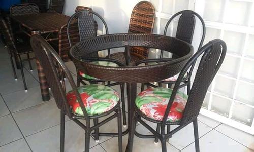 mesa realize com 4 cadeiras