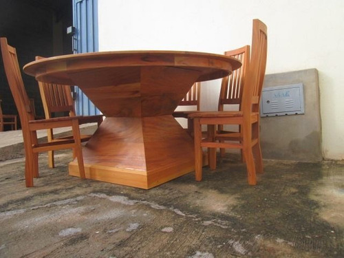 mesa redonda 2 x 2m com tampo giratório madeira maciça