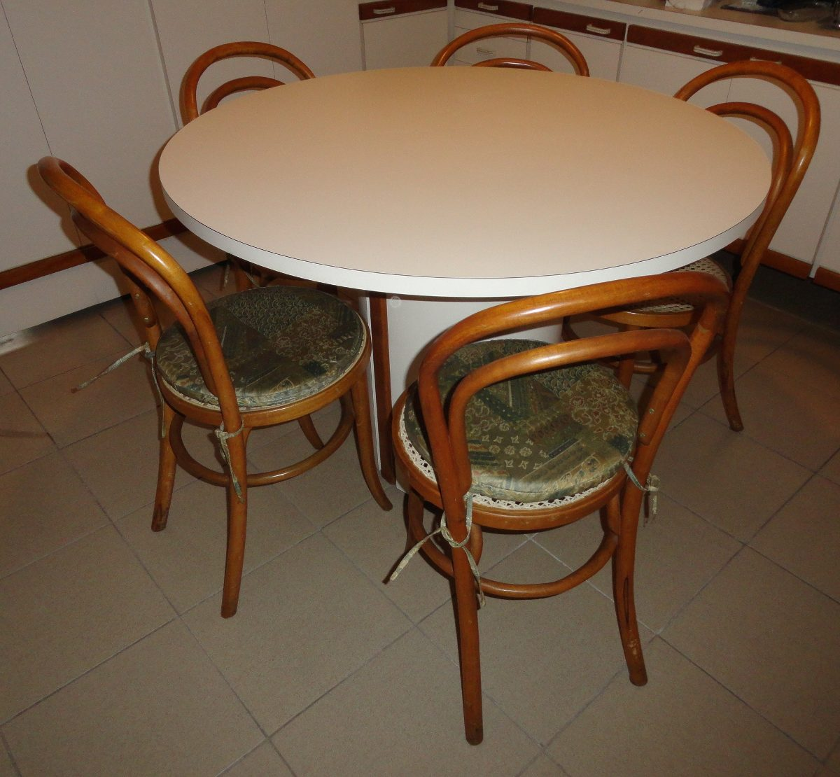 Mesa redonda copa cozinha jantar f rmica diametro r for Mesas formica para cocina
