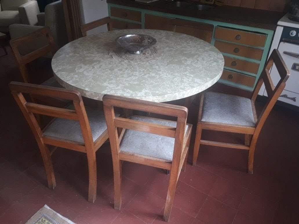 Mesa Redonda De Cocina Con 6 Sillas De Madera Tapizadas - $ 10.000 ...