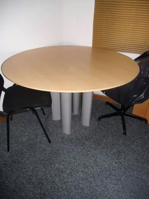Mesa Redonda Para Oficina - Bs. 80.000,00 en Mercado Libre