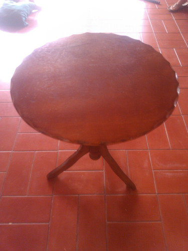 mesa rinconera de madera