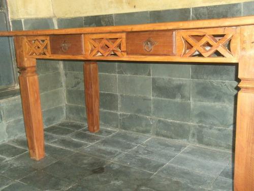 mesa rustica com detalhes em x com 2 gavetas