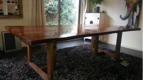 mesa rústica de madera nativa