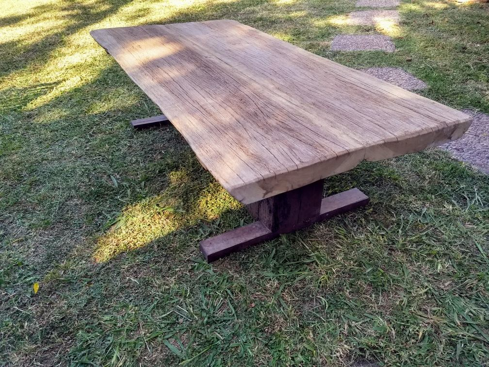 Mesas de madera rusticas mesas madera rustica cool com for Mesa madera maciza exterior