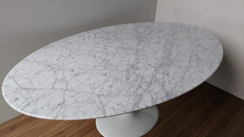 mesa saarinen de 1.80 x 1.00 no marmore carrara