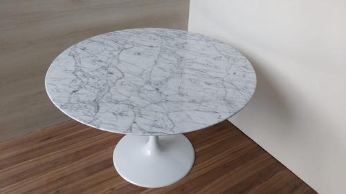 mesa saarinen de jantar redonda no marmore carrara 1.00m ø