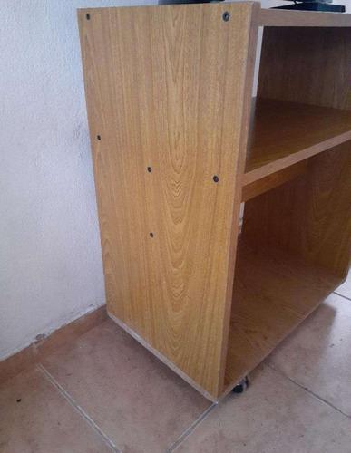 mesa televisor c/ rueditas