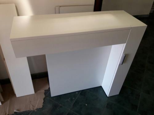 mesa tocador minimalista con tapa/espejo