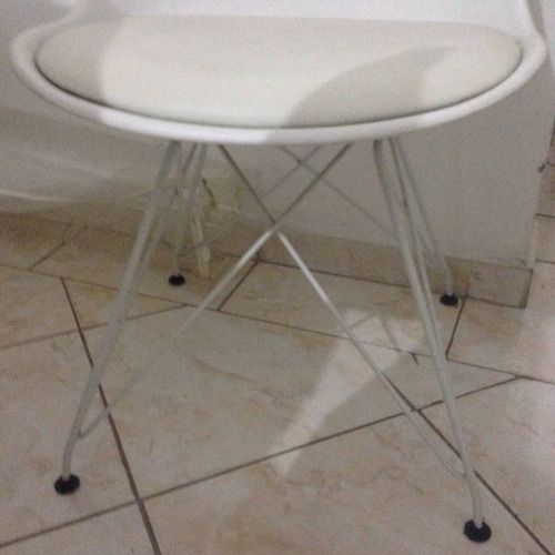 mesa tok stok 1,6m c/ 6 cadeiras modelo eiffel