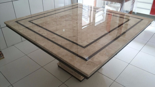 mesa travertino com ratam 1.50 x 1.50 com resina no tampo