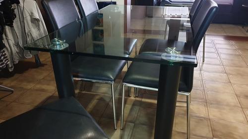 mesa vidrio y juego de sillas