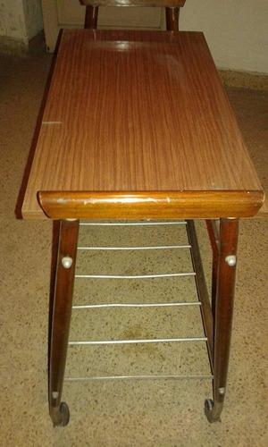 mesa vintage para televisor
