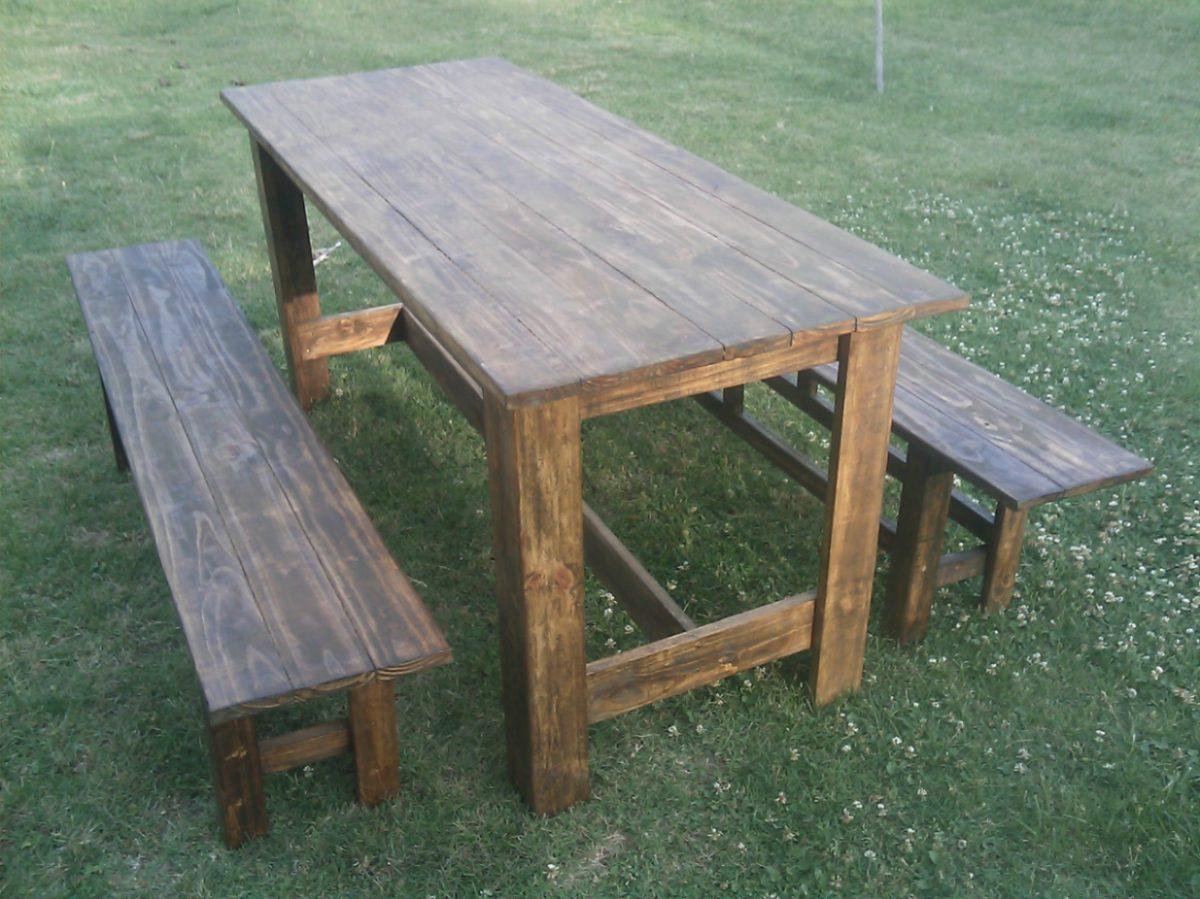 mesa y 2 bancos madera maciza para interior o exterior