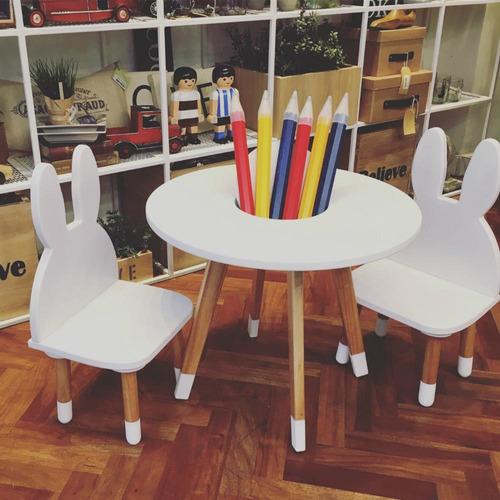 mesa y 2 sillas conejo