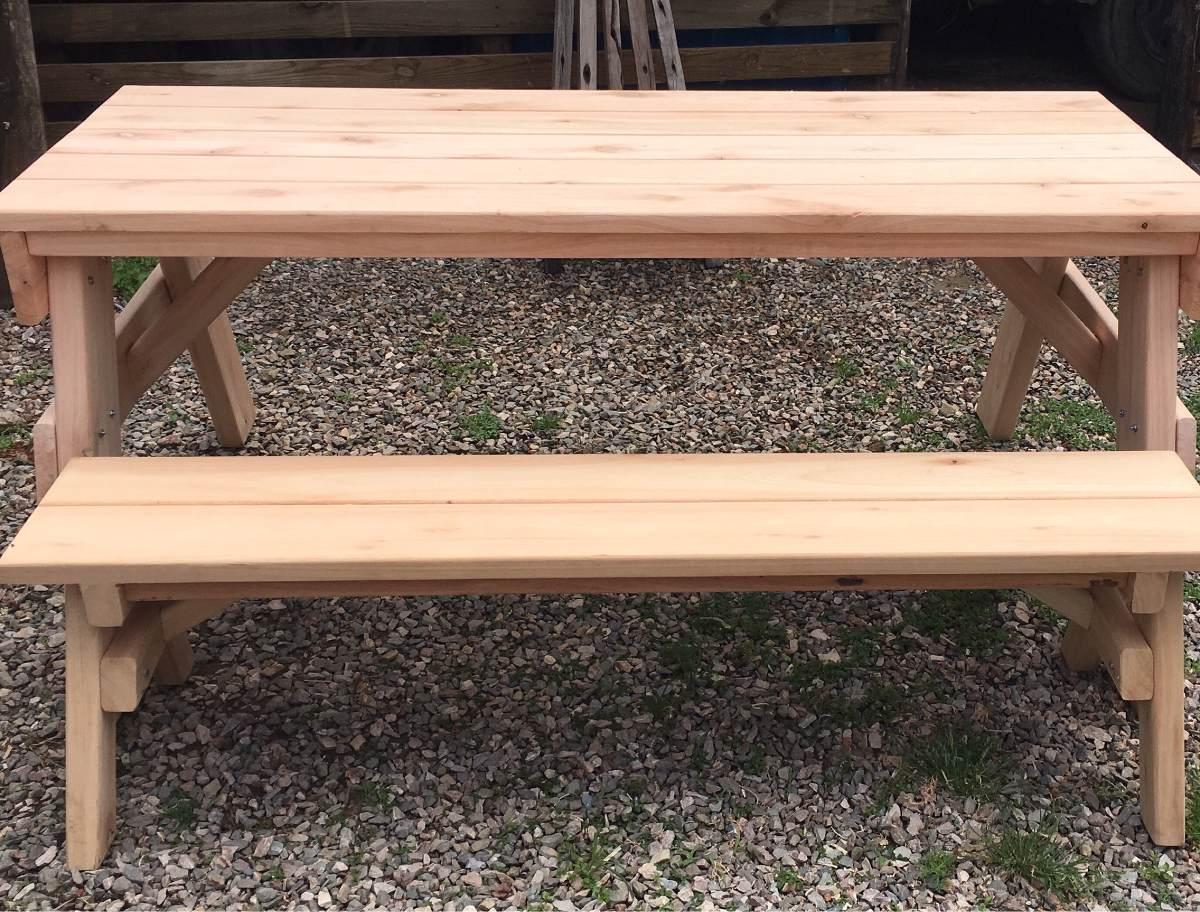 mesa y bancos para barbacoas y exterior