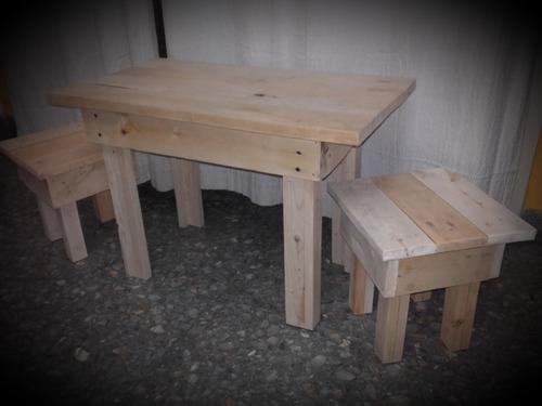 mesa y banquetas para niños