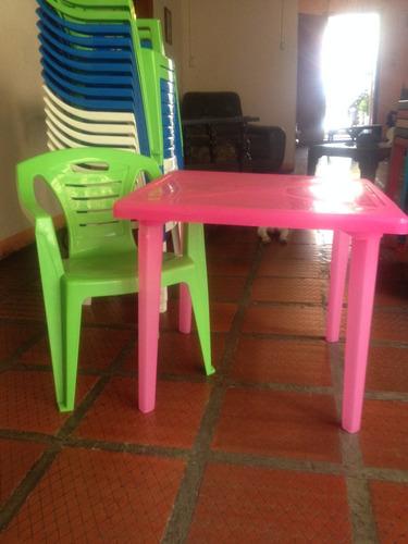 mesa y silla infantil manaplas