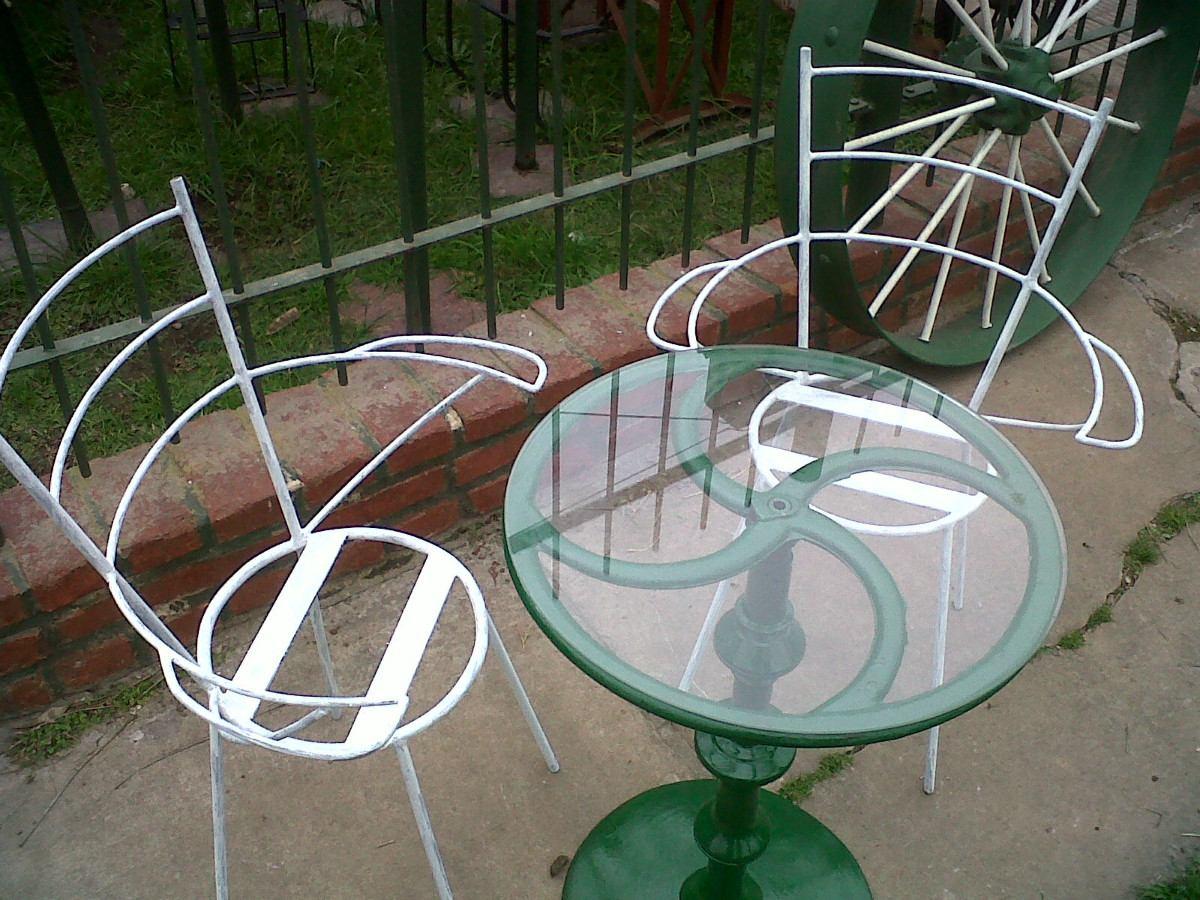 Mesa y sillas de jard n en hierro simple y elegante dise o for Ofertas mesas y sillas de jardin