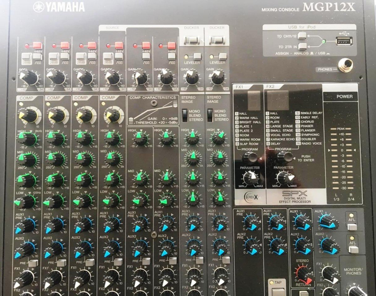 Mesa Mixer Yamaha Mgp 12x 12 Canais Mgp12x R Carregando Zoom