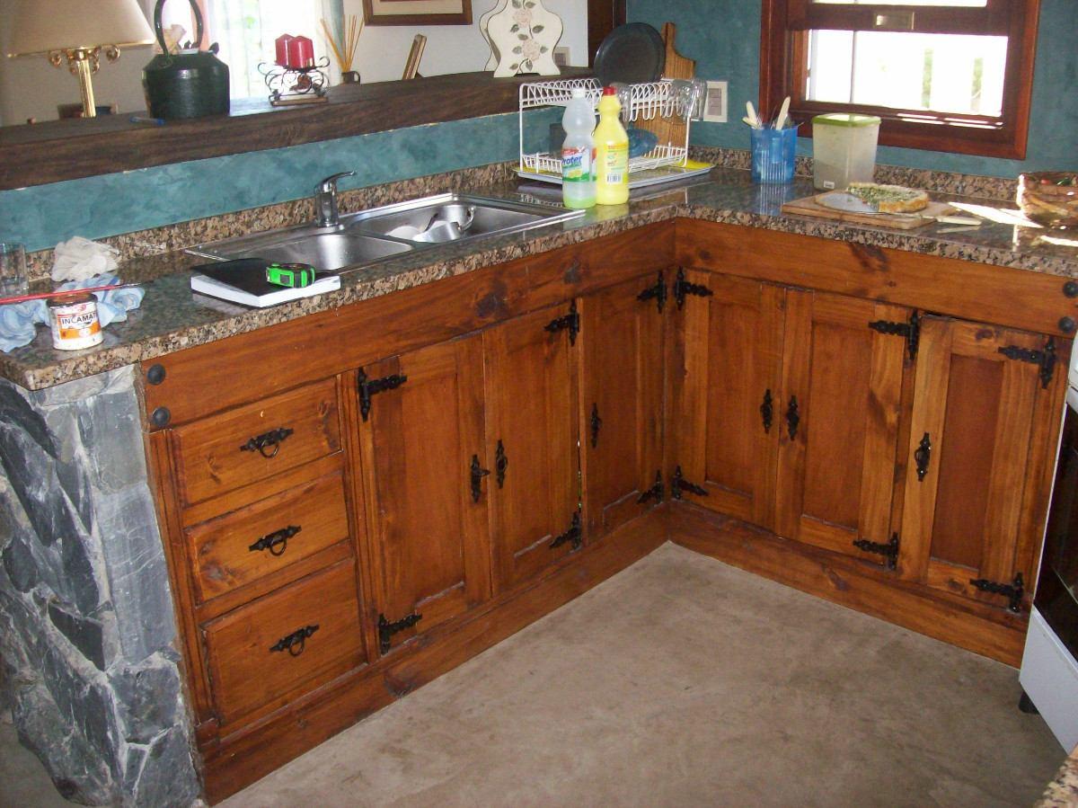 bajo mesada de cocina rustica artesanal en