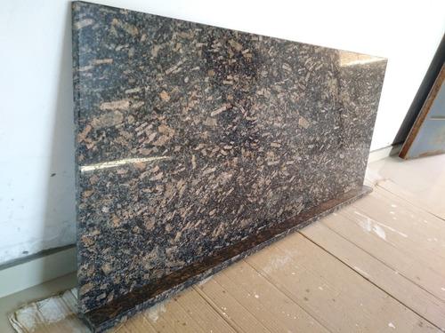 mesada de granito 1.40 x 0.62 mts.