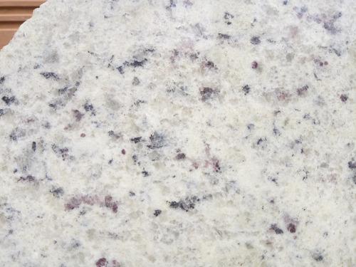 mesada de granito blanco dallas 1,00x60+zocalo+bacha