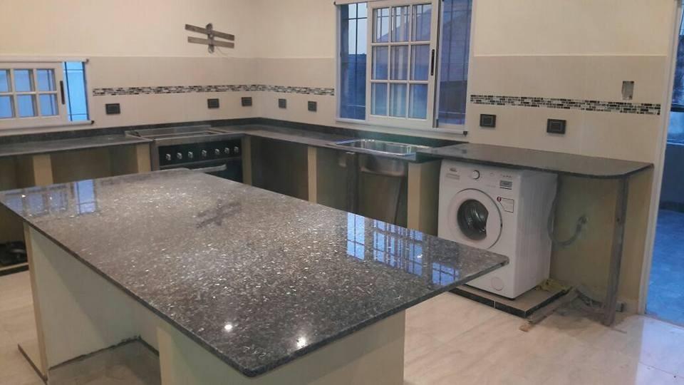 Granito cocina silestone mesadas de marmol y granito for Granitos nacionales para cocinas