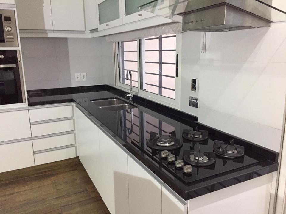 Mesadas de cocina granito negro absoluto nacional for Precio de granito negro