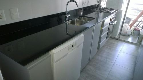 Mesadas de marmol y granito y silestone muebles de cocina for Granito o silestone para cocinas