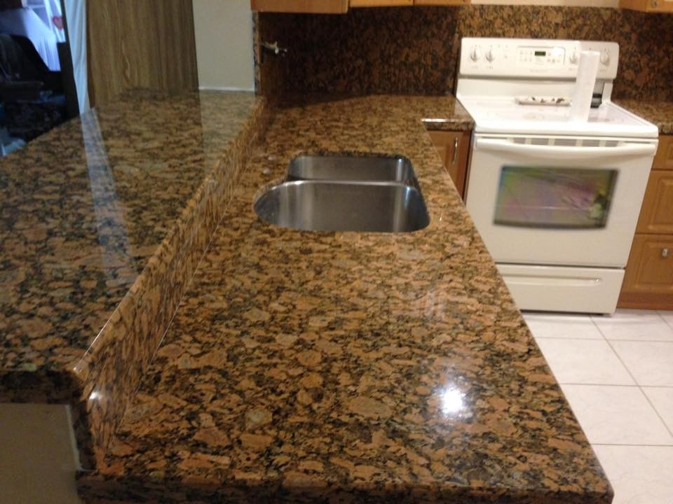 Mesadas en marmol y granito para cocinas y ba os for Barra de granito para cocina precio