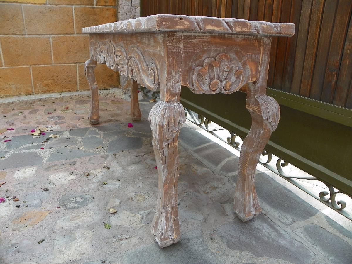 Mesa escritorio vintage tallada en madera c decapado for Mesa vintage madera