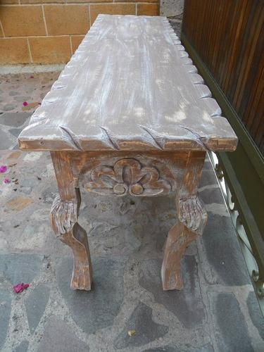 mesa/escritorio vintage tallada en madera c decapado antiguo