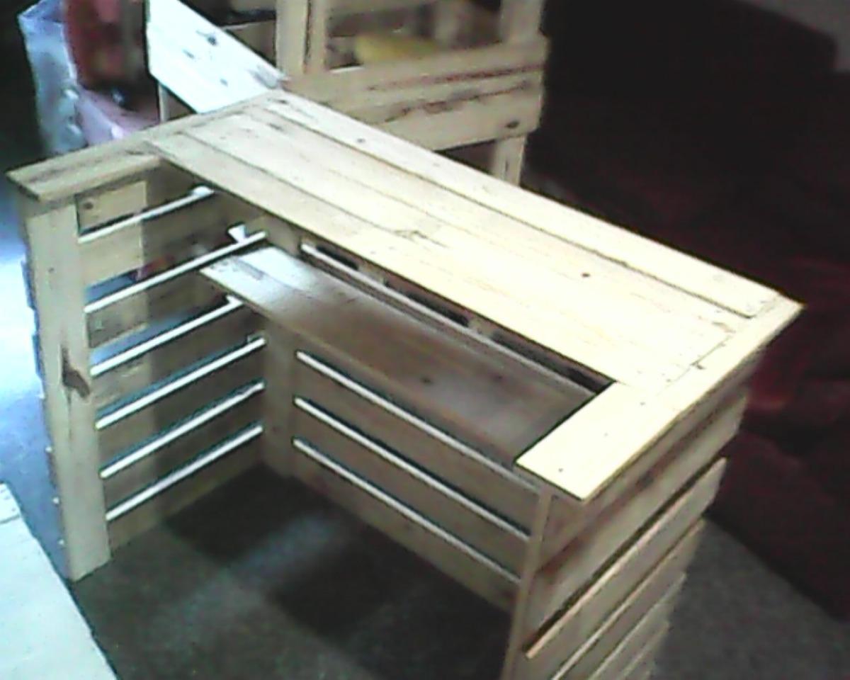 Mesas bancos banquitos sillas de madera paletas bs for Banco de paletas de madera